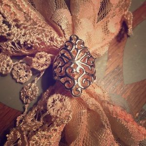 Pretty sterling silver ring size 7